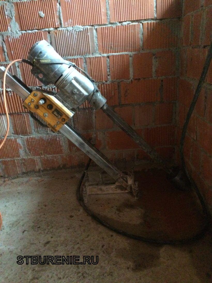 Сверление бетонного перекрытия под углом
