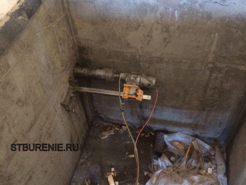 Алмазное сверление под прокладку канализационных труб