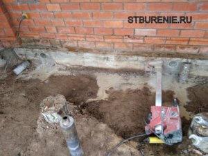 Сверление отверстий в фундаменте дома в Подольске